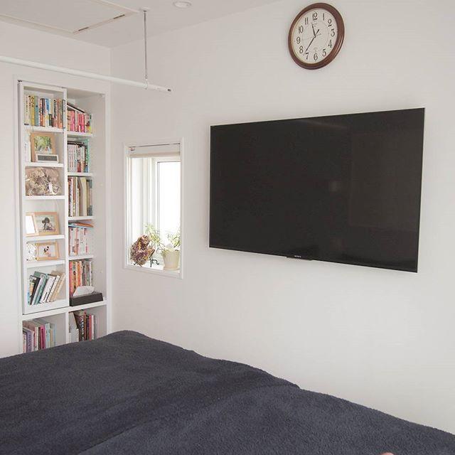 寝室に作り付け本棚を作るアイデア