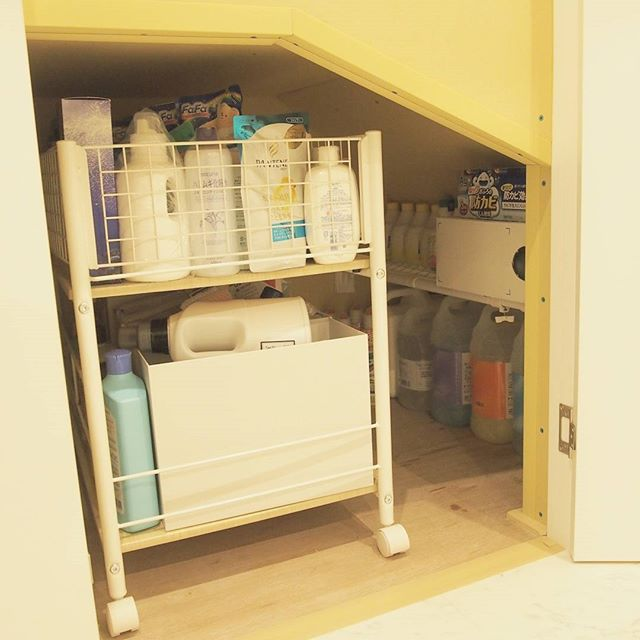 狭い部屋の収納アイデア《洗剤・洗面道具》2