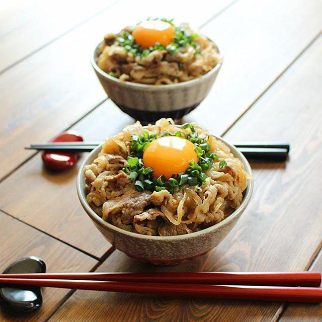 作り置きで簡単ランチレシピ!ネギたま牛丼
