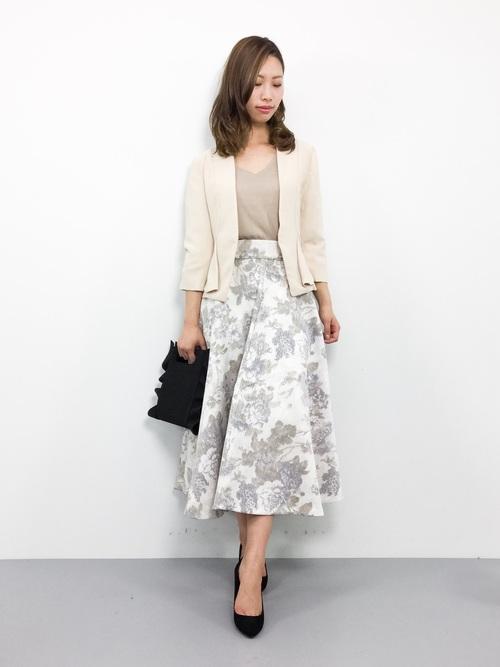 花柄スカートのフェミコーデ