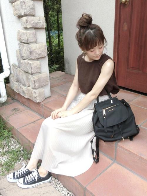 夏スカートの上品コーデ