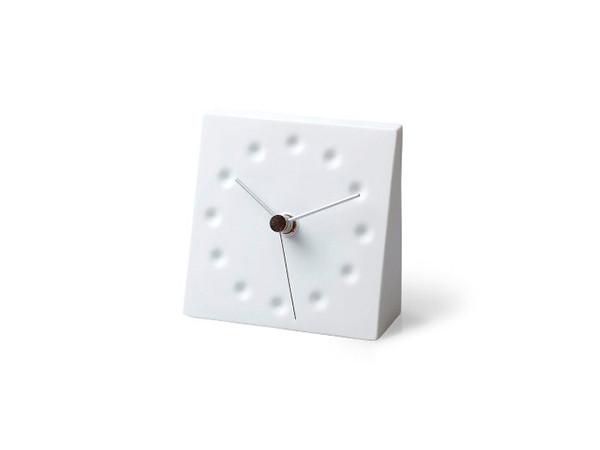 部屋に取り入れやすいシンプル置き時計