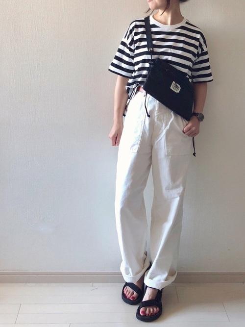 白ワイドパンツ×ボーダーTシャツコーデ