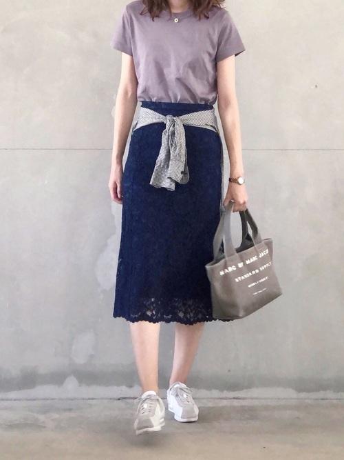 シンプルTシャツ×マーメイドレーススカート