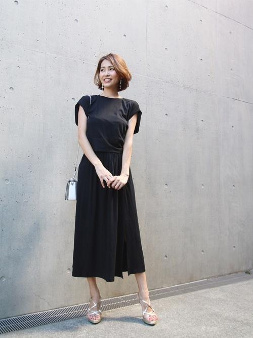 夏のブラックコーデ《スカートスタイル》