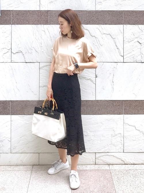 カジュアルTシャツ×ミモレレーススカート