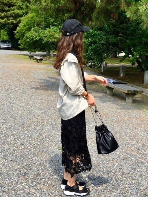 [antiqua] Black花柄レーススカート