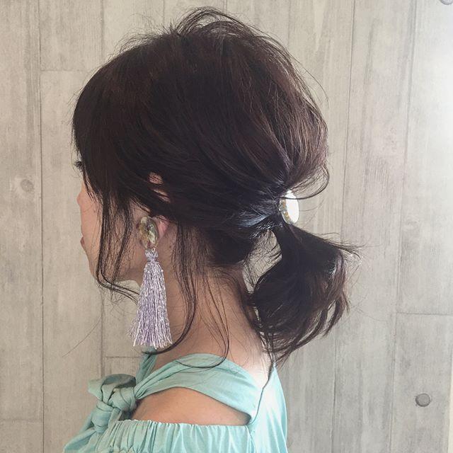 カジュアルなボブの無造作まとめ髪