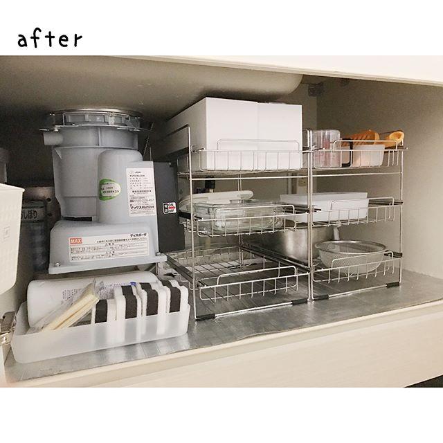 シンク下にラック設置で調理器具収納