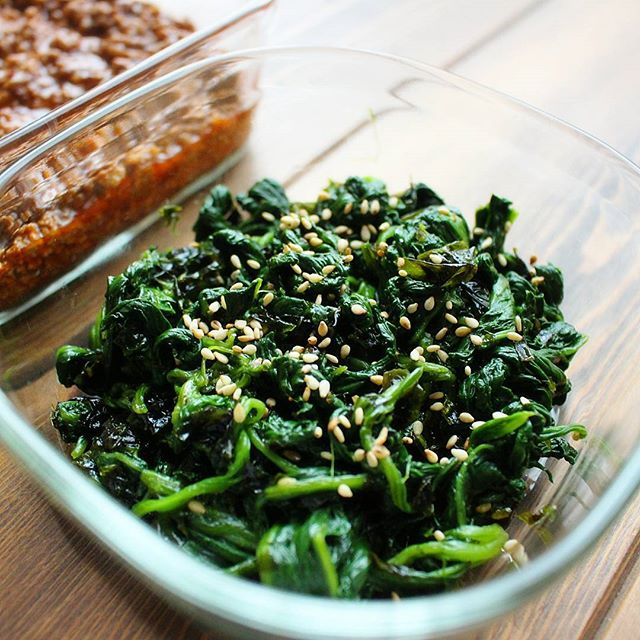 簡単な和え物レシピ!ほうれん草と韓国のりナムル