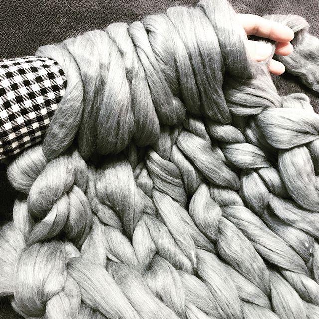 編み針を使わない「指編み」「腕編み」にチャレンジ!