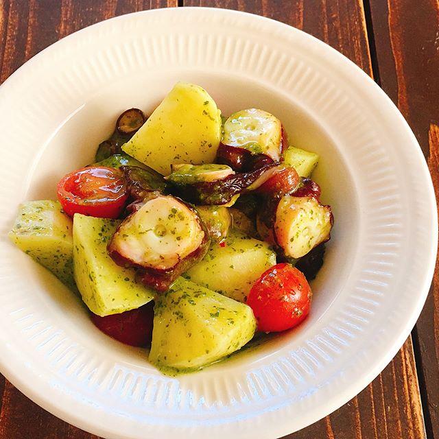 タコとポテトとトマトのジェノベーゼソース