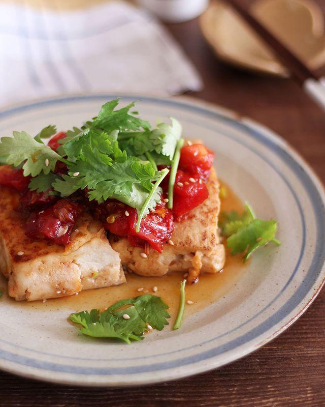 焼酎に合う!トマトの照り焼き豆腐ステーキ