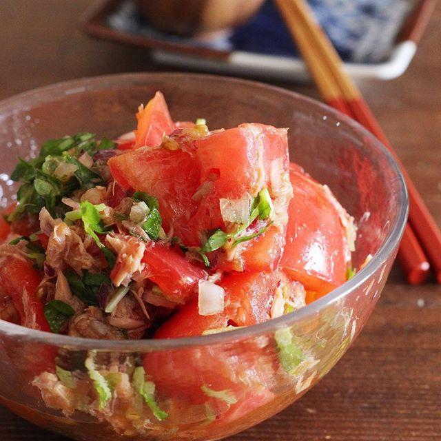 おつまみに簡単!人気の和風ツナトマトサラダ