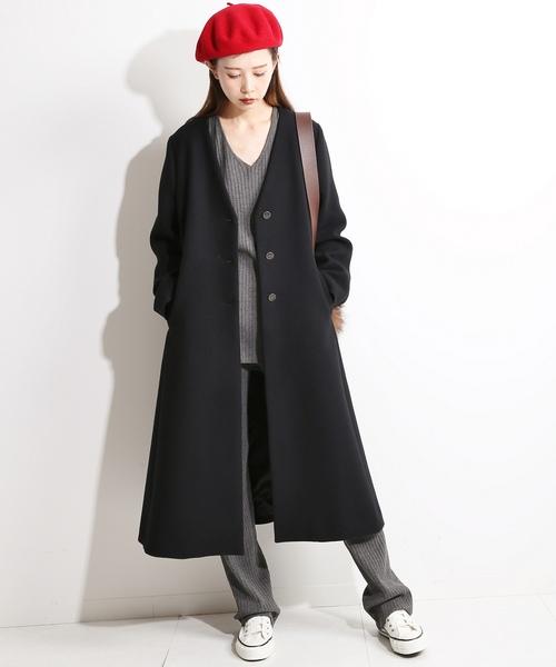 コンバース白スニーカー×赤ベレー帽