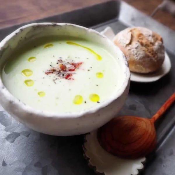 酸っぱヘルシー!アボカドの冷製ヨーグルトスープ