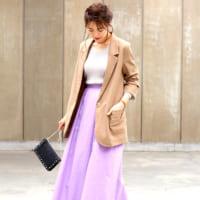 ラベンダースカートの春コーデ15選♪フェミニンカラーで艶やかスプリングスタイル