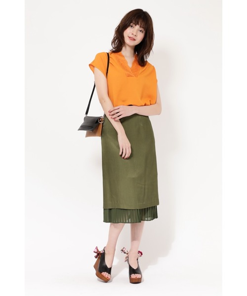 異素材スカートの元気コーデ