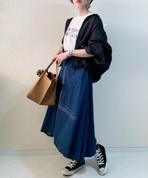 [AZUL ENCANTO] 【洗濯機で洗える】【消臭効果】イレギュラーヘム ロングフレアデニムスカート