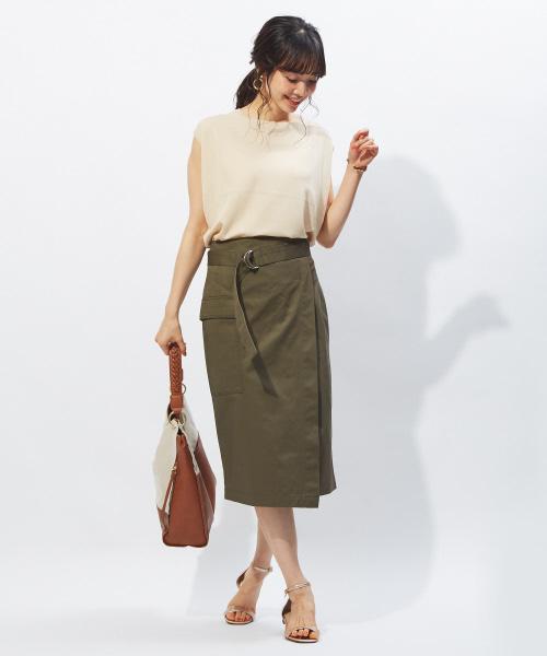 ラップタイトスカートの女っぽコーデ