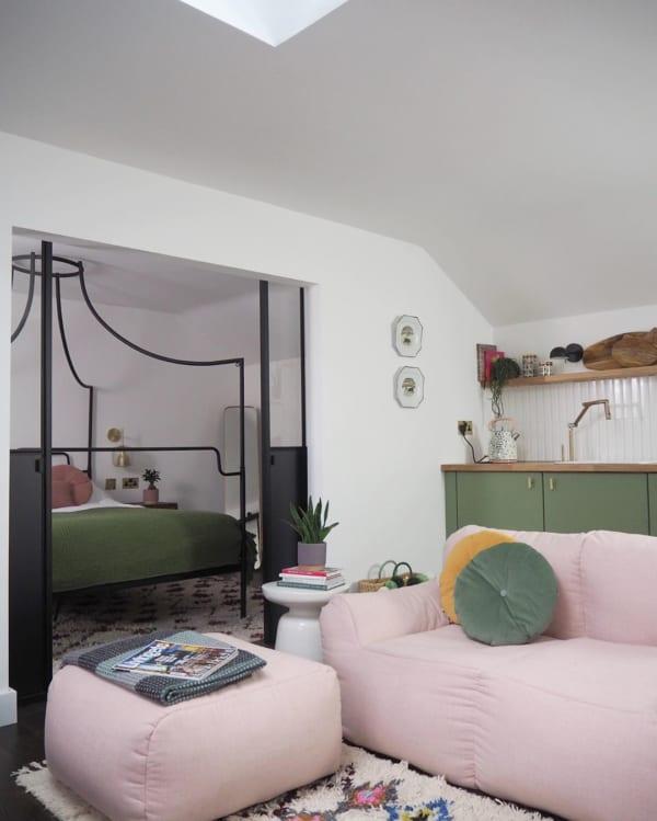 ピンク色の家具5