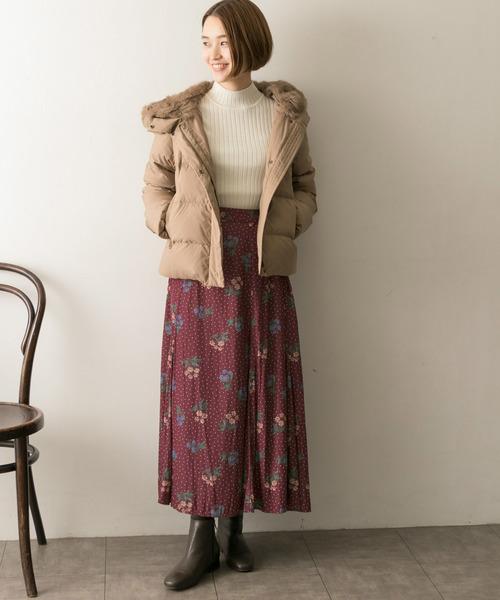 ダウンジャケット×花柄ドットスカート