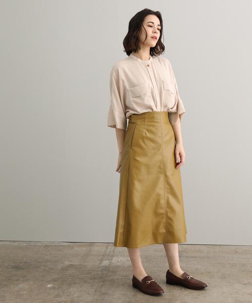 レザースカートのレディースコーデ