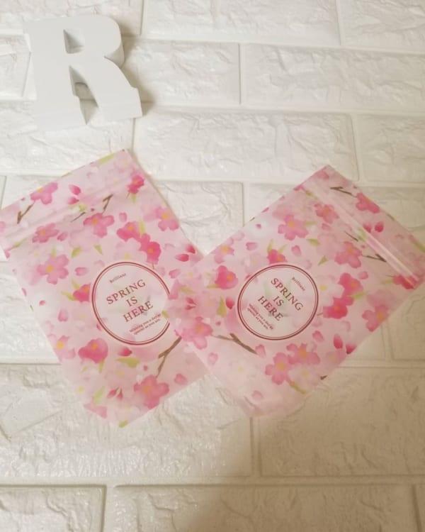 桜柄のジッパーバッグ(ダイソー)