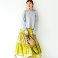 花柄スカートの春スタイル15選♡彩りをアップして華やかコーデ!