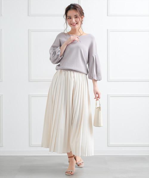 ボリューム袖ブラウス×プリーツロングスカート