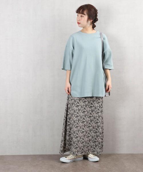 ロングスカートの30代春コーデ
