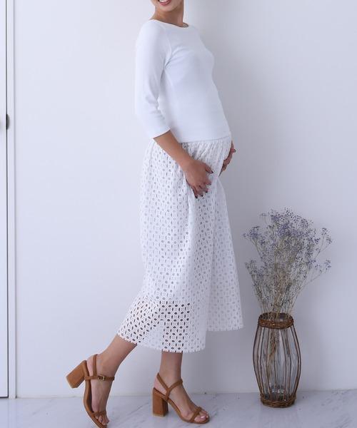 カッティングレーススカートの白コーデ