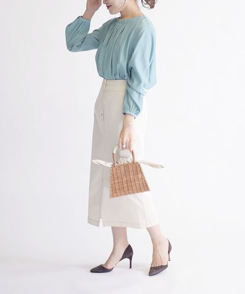 ロングスリーブブラウス×ホワイトスカート2