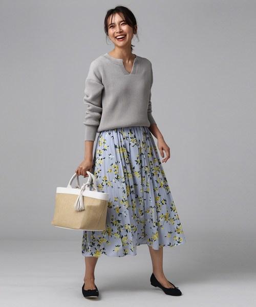 ②花柄スカート