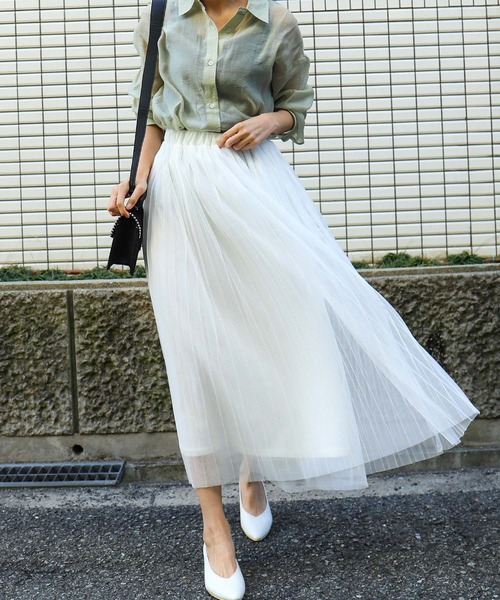 白プリーツスカートのこなれコーデ