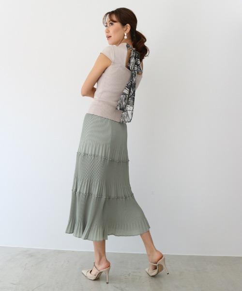 ティアードスカートのフェミコーデ