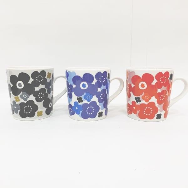 北欧花柄のマグカップ