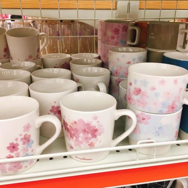 桜柄のマグカップ(ダイソー)