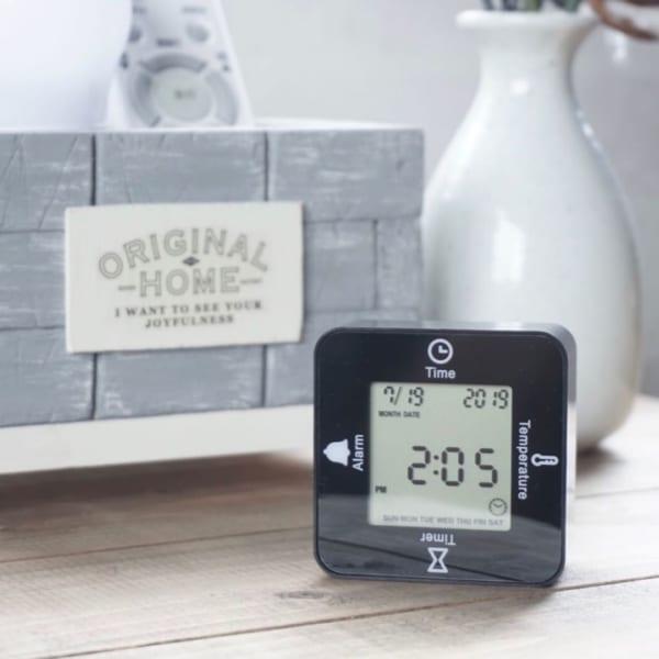 【ダイソー】多機能が嬉しい人気の置き時計