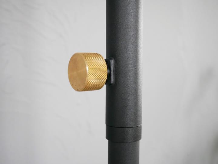 スタイリッシュな突っ張り棒15