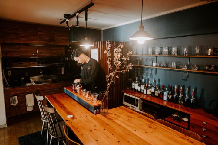 自宅を隠れ家カフェ&バーに改装4