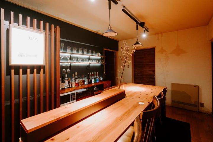 自宅を隠れ家カフェ&バーに改装2