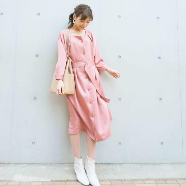 華やかピンクのワンピース