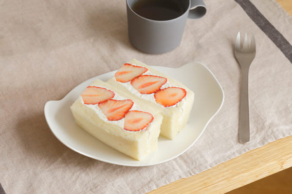 イイホシユミコさんの食器