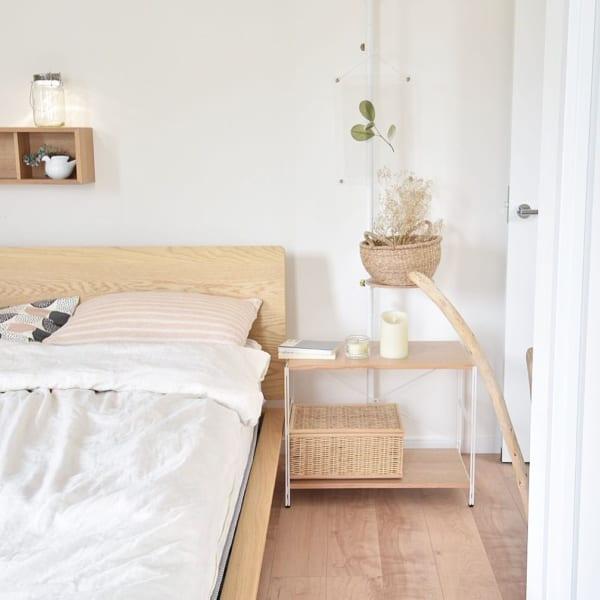 ナチュラルインテリアが心地よい寝室