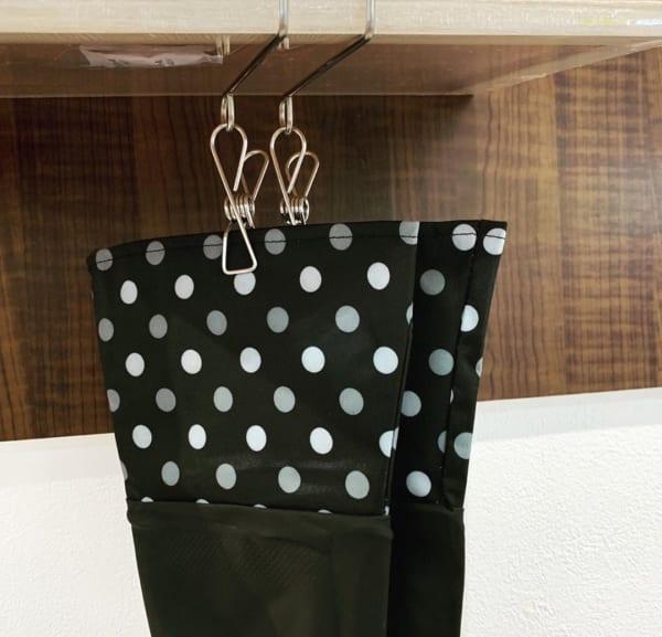 吊戸棚用のキッチン手袋ピンチ
