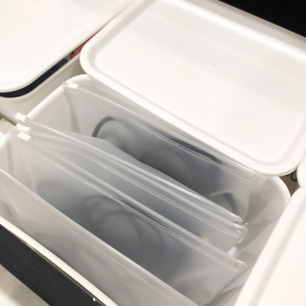 半透明のケースに収納