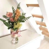 インテリアで春を呼ぶ!生花をおしゃれに飾るコツやヒントとは?