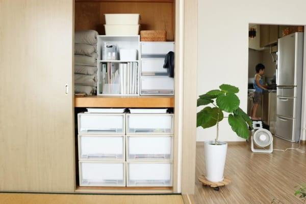 棚を使った押入れの収納アイデア4