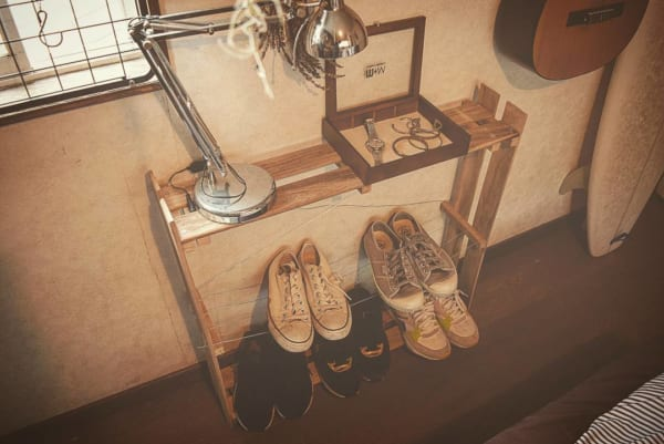 「すのこ×ワイヤー」でDIYしたラックの靴収納